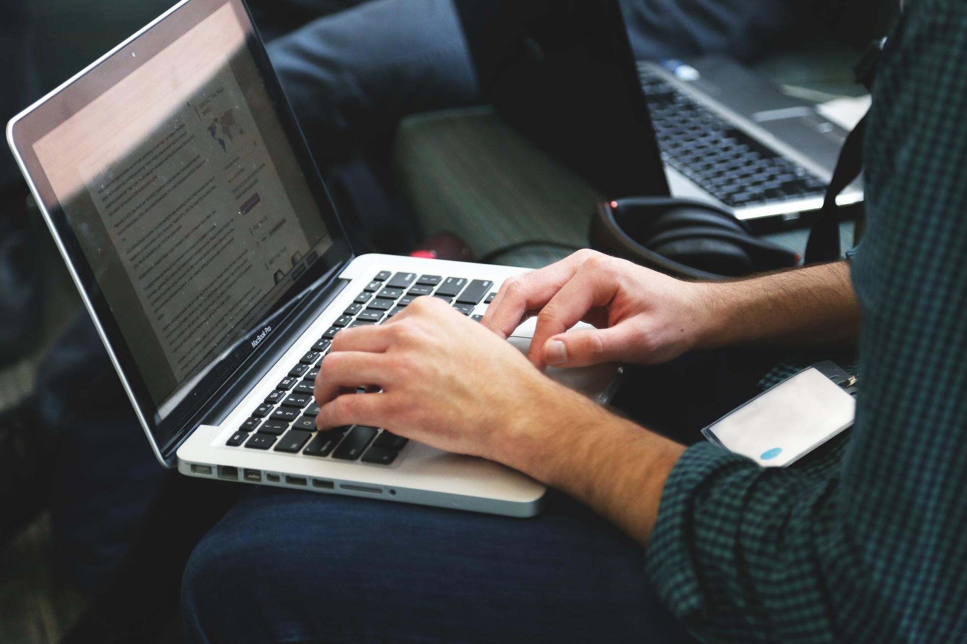¿Cómo conseguir empleo de algo que no estudiaste?