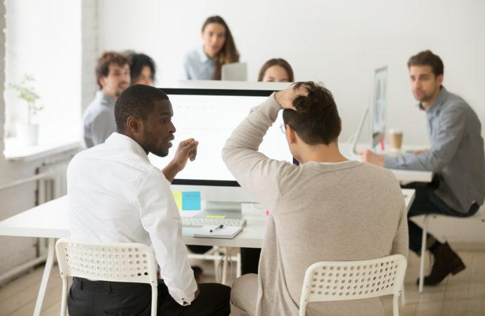 ¿Te cuesta concentrarte en la oficina? 6 consejos para evitar distracciones